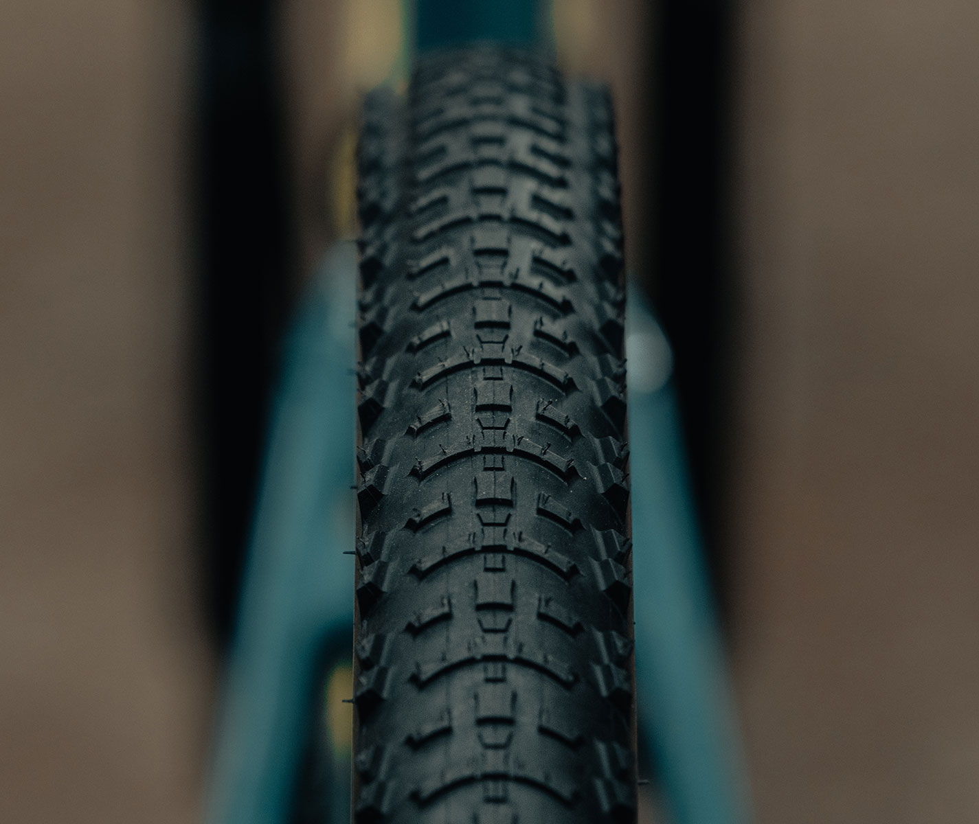 mountain-bike-tire-hutchinson-skeleton-4