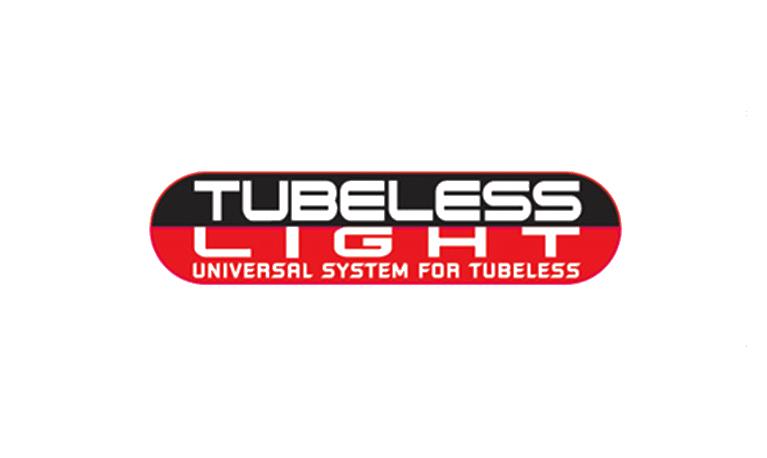 Hutchinson et deux partenaires créent UST (Universal Systeme Tubeless), la première norme de pneus tubeless performance pour vélos.