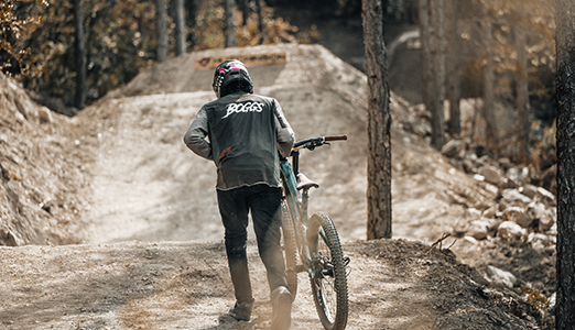 Reed Boggs hits the new Griffus line at the EVO Bike Park